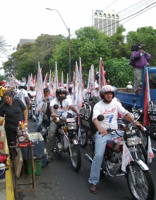 Asuncion Partisans de Lino Oviedo - motards