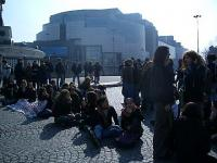 Sit in place de la Bastille