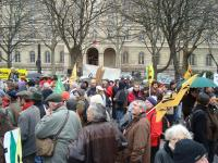 Rassemblement contre la culture OGM en plein champ